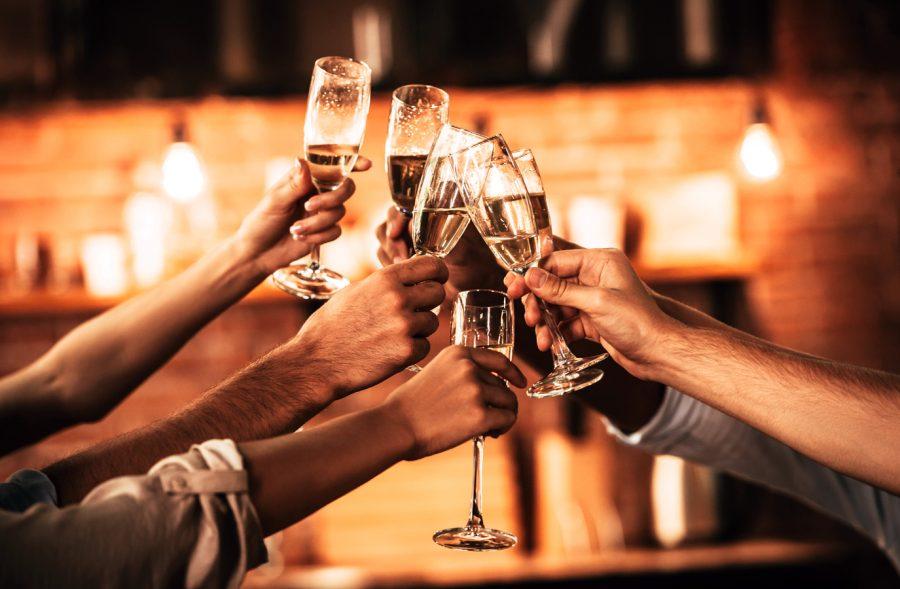 Cheers!-611859774_7360x4912